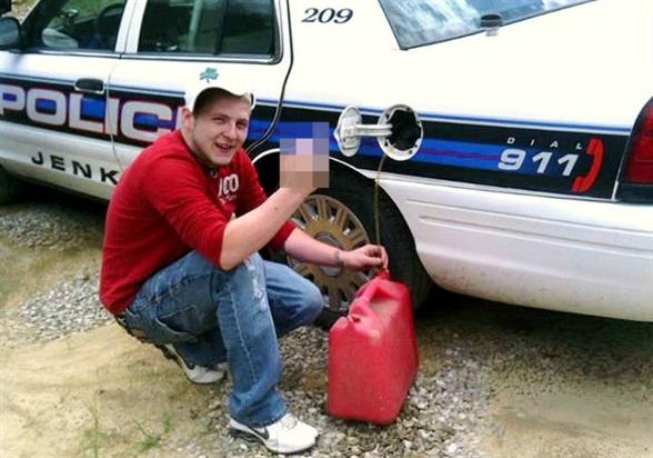 benzinlopás kép a facebookon