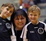 Ottó Katalin és két kisgyermek