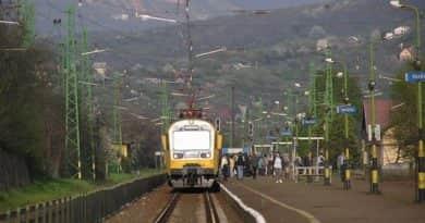 Késnek a vonatok Vác és Verőce között