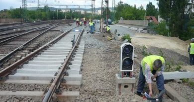 Elromlott biztosítóberendezés miatt késtek a vonatok
