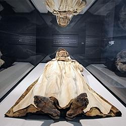 váci múmiák-250