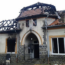 püspökszilágyi polgármesteri hivatal leégett állapotban-250