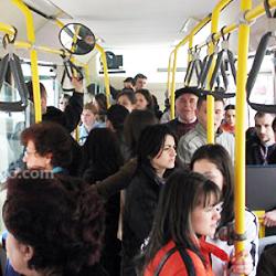 buszon utazás-250