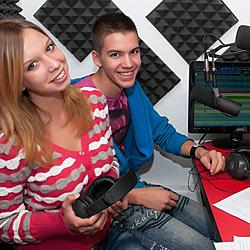 kisközsségi rádió - Székesfehérvár Táska Rádió-250