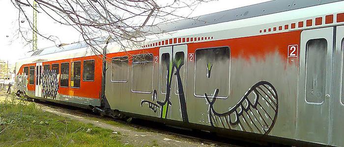 vasúti kocsi összefestve-700