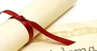 Váci főiskolások: hamarosan indulnak a diplomamentési pályázatok