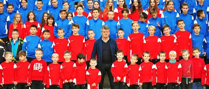csank-janos-a-kis-focistak-kozott-700