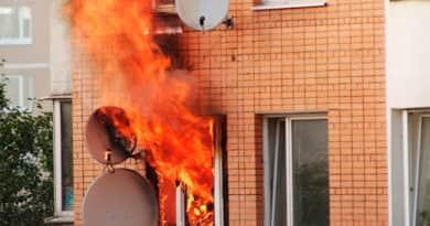 Egy családi ház égett az este, de a tűzoltók még időben érkeztek