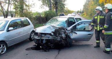 Frontálisan ütközött két autó Verőce közelében