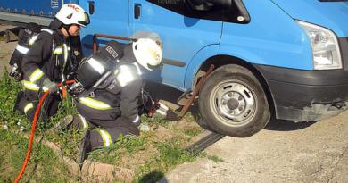 Gázcsonknak tolatott a teherautó, szivárgott a gáz