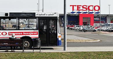 Augusztus 1-től a Tesco megszünteti ingyenes buszát