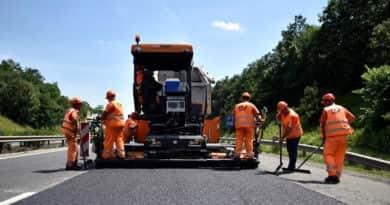 Szinte hetente éri közlekedési baleset a dolgozókat