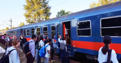 Műszaki hiba miatt torlódtak a vonatok Vác felé