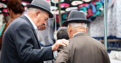 9 ezer forintnyi rezsiutalványt kapnak anyugdíjasok