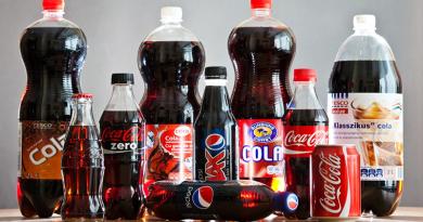 Inkább a cukrozott és márkás kólára bukik a magyar