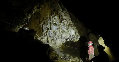 Barlang a Naszályban: 900 méter új szakasz felfedezése