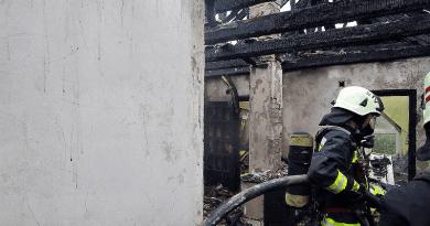 Villám csapott egy sződi házba, teljesen leégett a tető
