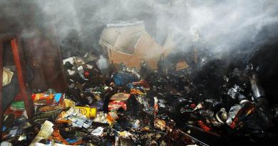 Lomok kezdtek el füstölni egy kosdi családi házban