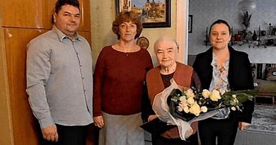 A váciak köszöntik a százesztendős Kovács Gézánét!
