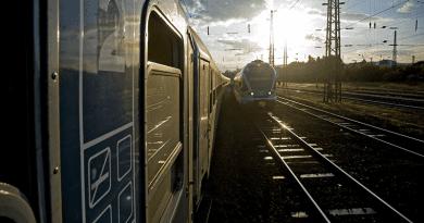 Friss: Rákosrendezőn kisiklott egy vonat
