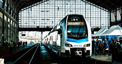 A Nyugatiban is nagy sikert aratott az emeletes vonat