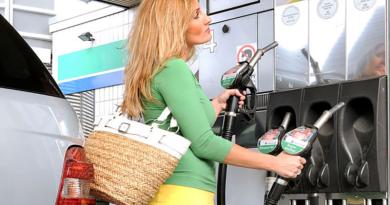 Melyik autóknak árthat az újfajta 95-ös benzin?