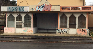 A hajléktalan kórházba került, a buszváró tiszta lett