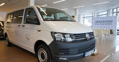 Volkswagen kisbuszt kapott a Vác Városi Evezős Club is