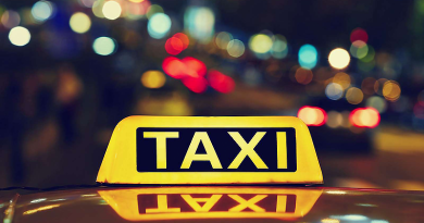 Koronavírus: egyelőre utasokra várnak a váci taxisok