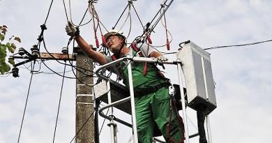 Új elektromos hálózatért talpal a hegyiek képviselője