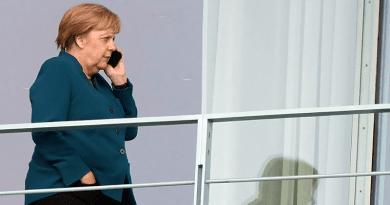 Koronavírus: a tűzoltó udvariasan lerázta Merkelt