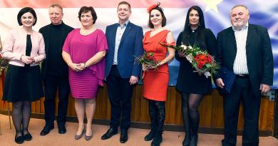 Az MSZP nőnapi rendezvényén kitüntették Beer Miklóst