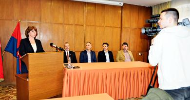 Koronavírus: korlátozásokat jelentett be a polgármester
