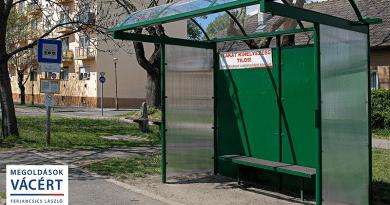 Egy helyi vállalkozó segítségével újult meg a buszmegálló