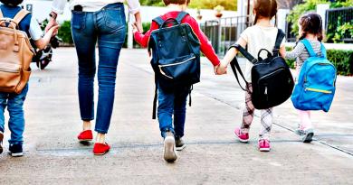 A bizalom hiánya, hogy nem hagyjuk önállósulni gyerekeinket?
