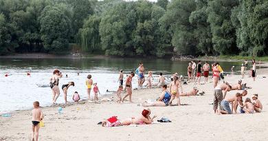 Fejlődnek a dunai strandok, Vácon ez nem téma