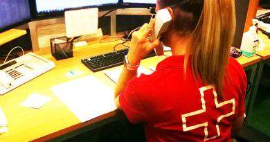 A váci vöröskeresztesek is segítenek a mentősöknek a mintavételekben