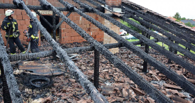 Egy ikerház gyulladt ki Gödön, a tűz miatt lakhatatlanná vált