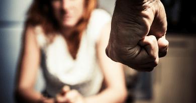 Hogyan reagálnánk, ha szembesülnénk egy barátunk agressziójával?