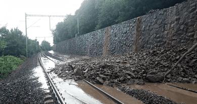 Friss: a sár és a víz elöntötte a vasúti pályát Nagymaros és Szob között