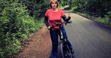 Szombattól lehet bringázni a kerékpárút felújított szakaszán