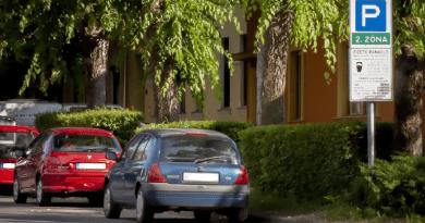 Parkolás: attól, mert nem beszélünk róla, még az probléma marad