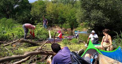 Határtalan palackkaland az Ipolyon – önkéntesek tisztították a folyót