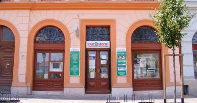 Papp Ildikó már nem a Tourinform vezetője, helyét a színház igazgatója vette át