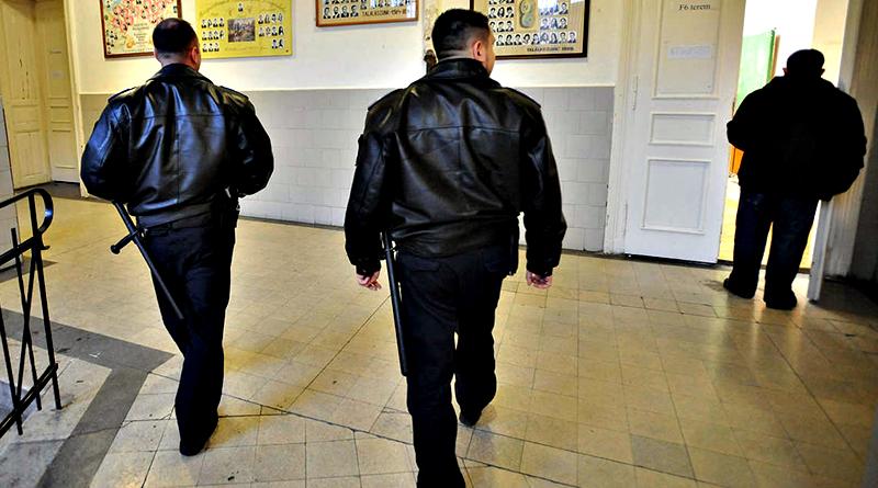 Az iskolaőrnek jelentkezettek harmada már az első rostán kihullott