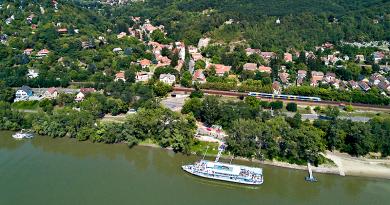 Új közlekedési napijegyet vezettek be a Dunakanyarban, Vác kiemelt célpont