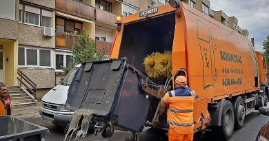 Az idén harmadik alkalommal fertőtlenítették a szemetes konténereket