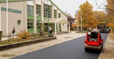 Több utat is aszfaltoznak Vácon, javítják a járdákat is