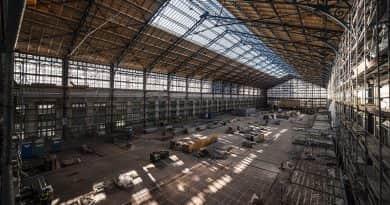 A szeptemberi tanévkezdésre birtokba vehetik az utasok a Nyugati pályaudvar felújított vágánycsarnokát