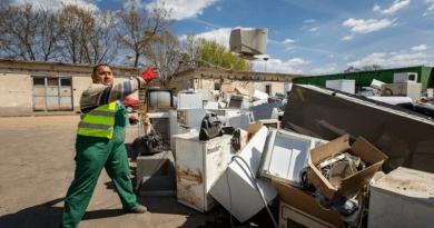 Több száz köbméter elektronikus hulladék gyűlt össze